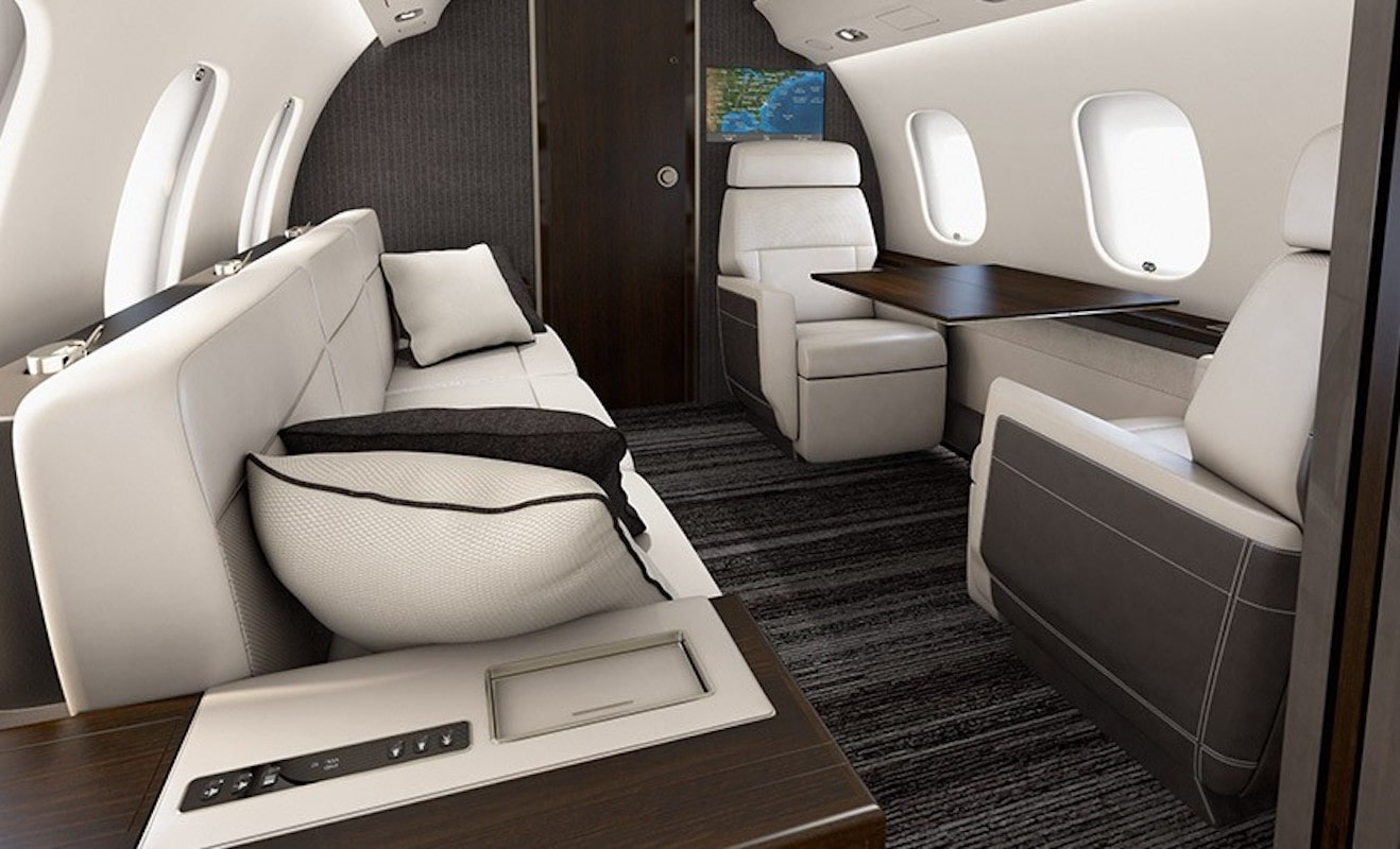 Bombardier Global 6000 Interior with divan at aft of cabin