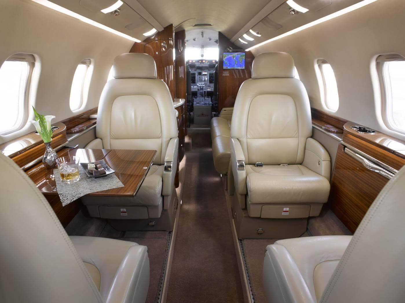 Bombardier Learjet 60XR Interior