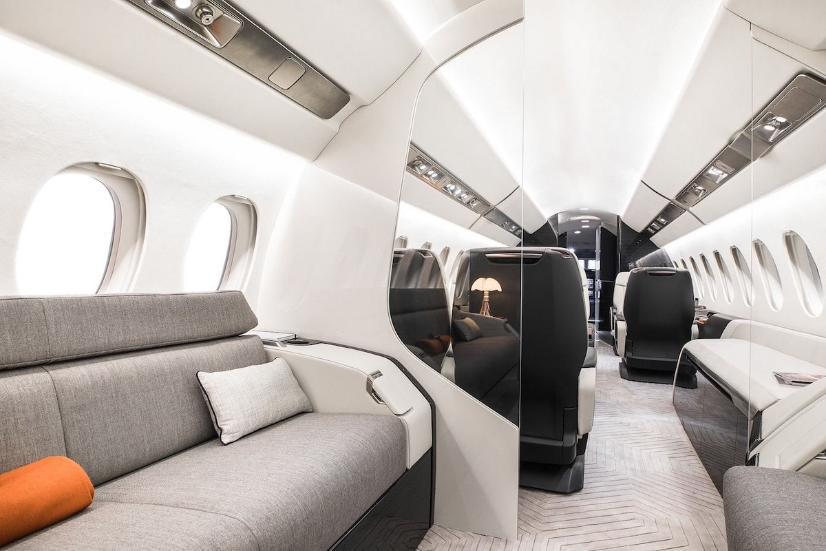 Falcon 6X interior sofa
