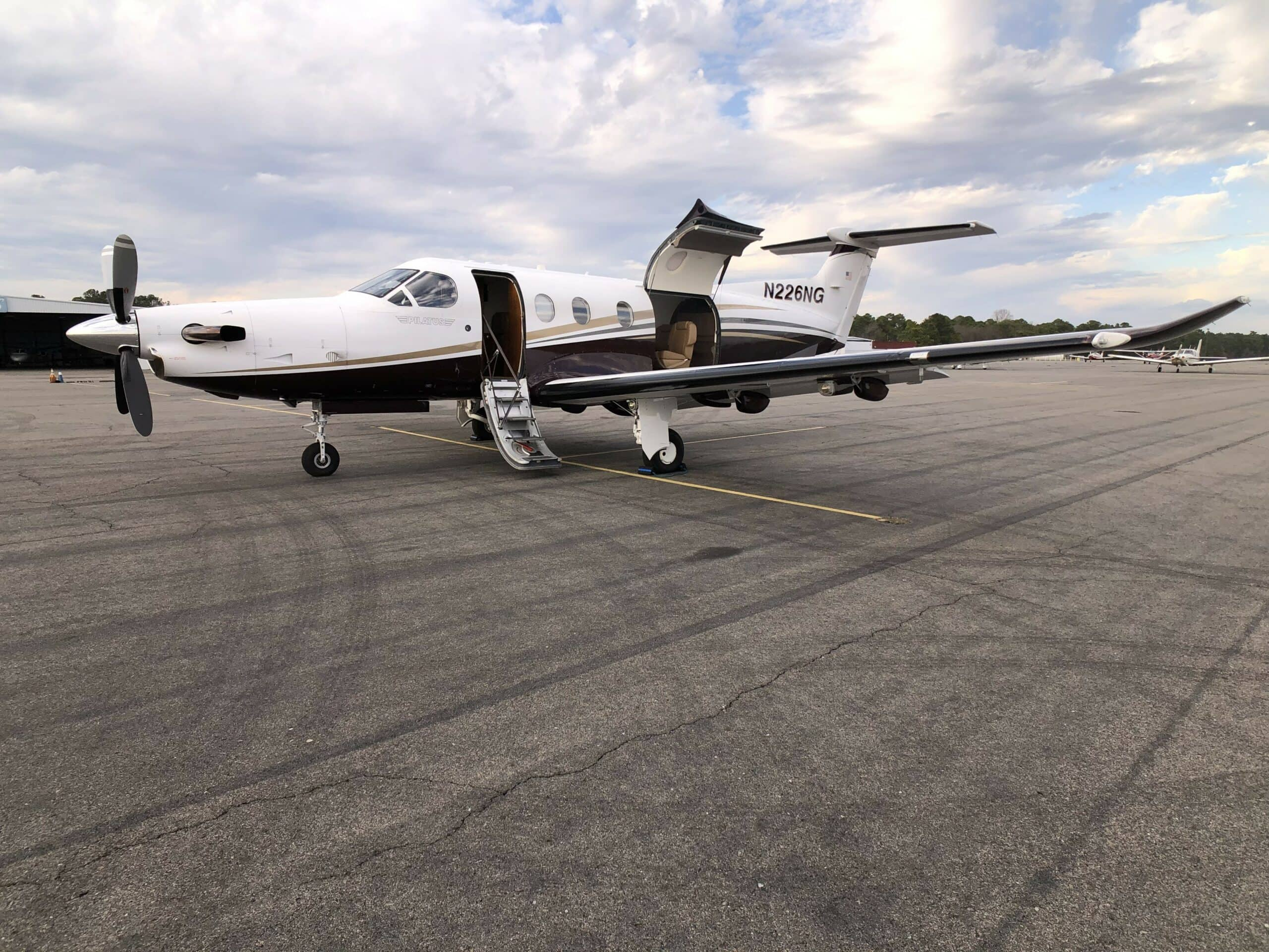 pilatus pc-12 ng exterior ground